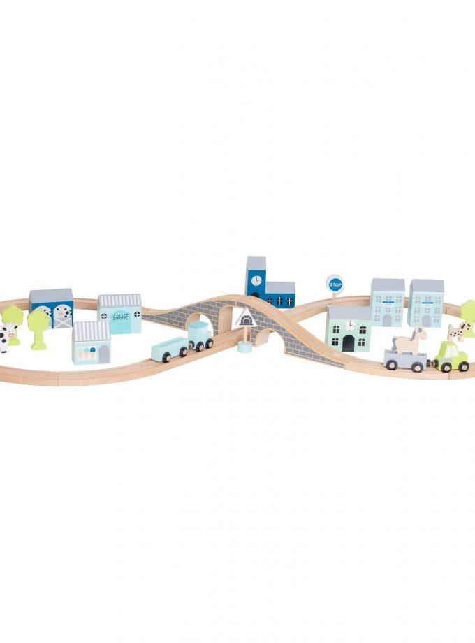 Medinė mėlyna automobilių trasa
