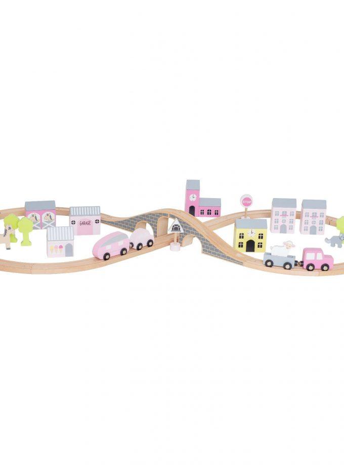 Medinė rožinė automobilių trasa